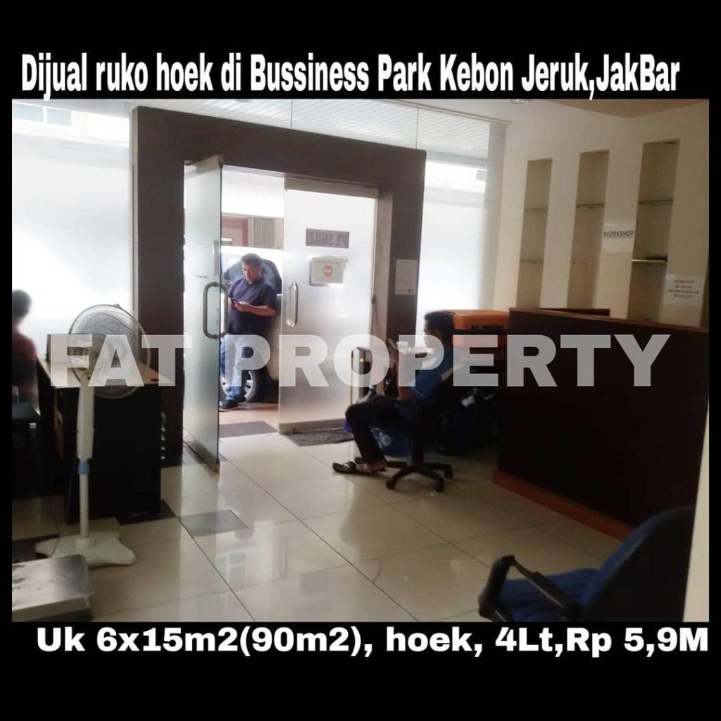 Dijual ruko bagus 4 lantai hoek di Kompleks Bussines Park Kebon Jeruk,Jakarta Barat.