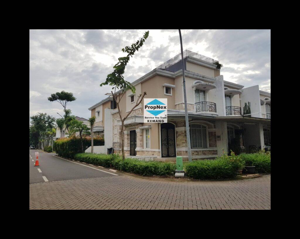 Dijual rumah bagus menghadap danau dan taman di Cluster Europe,Greenlake City.