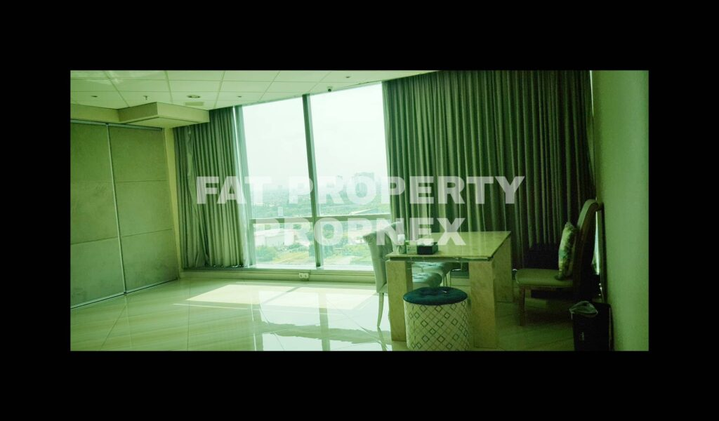 DIJUAL Office Space di kompleks paling bergengsi dan terkomplit di Jakarta Barat siap dipakai:LIPPO OFFICE ST MORITZ TOWER