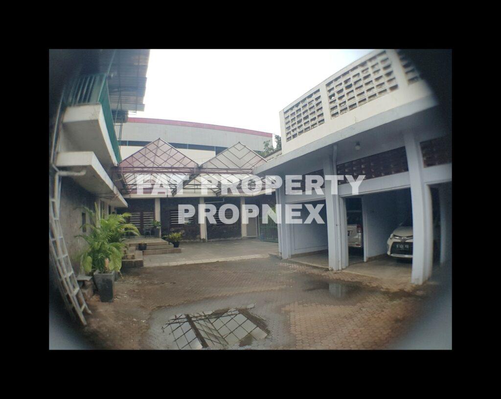 Dijual/disewakan rumah di atas tanah komersil di jalan raya strategis di Jl Tebet Raya,Jakarta Selatan.