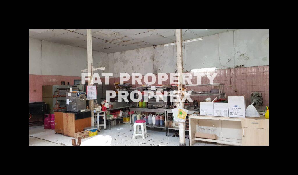Dijual gedung mini tempat usaha bahan2 kue di Jl K.H.Mas Mansyur,Jakarta Barat.