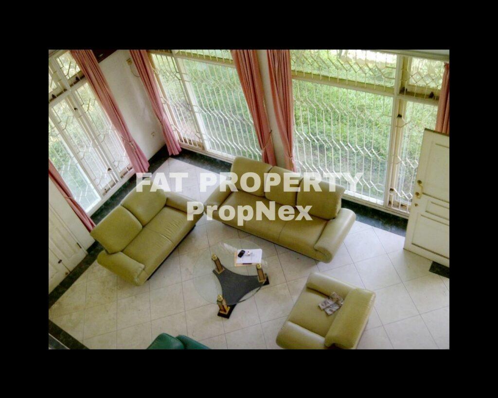 Dijual/disewakan rumah di Taman Alfa Indah,Jakarta Barat.