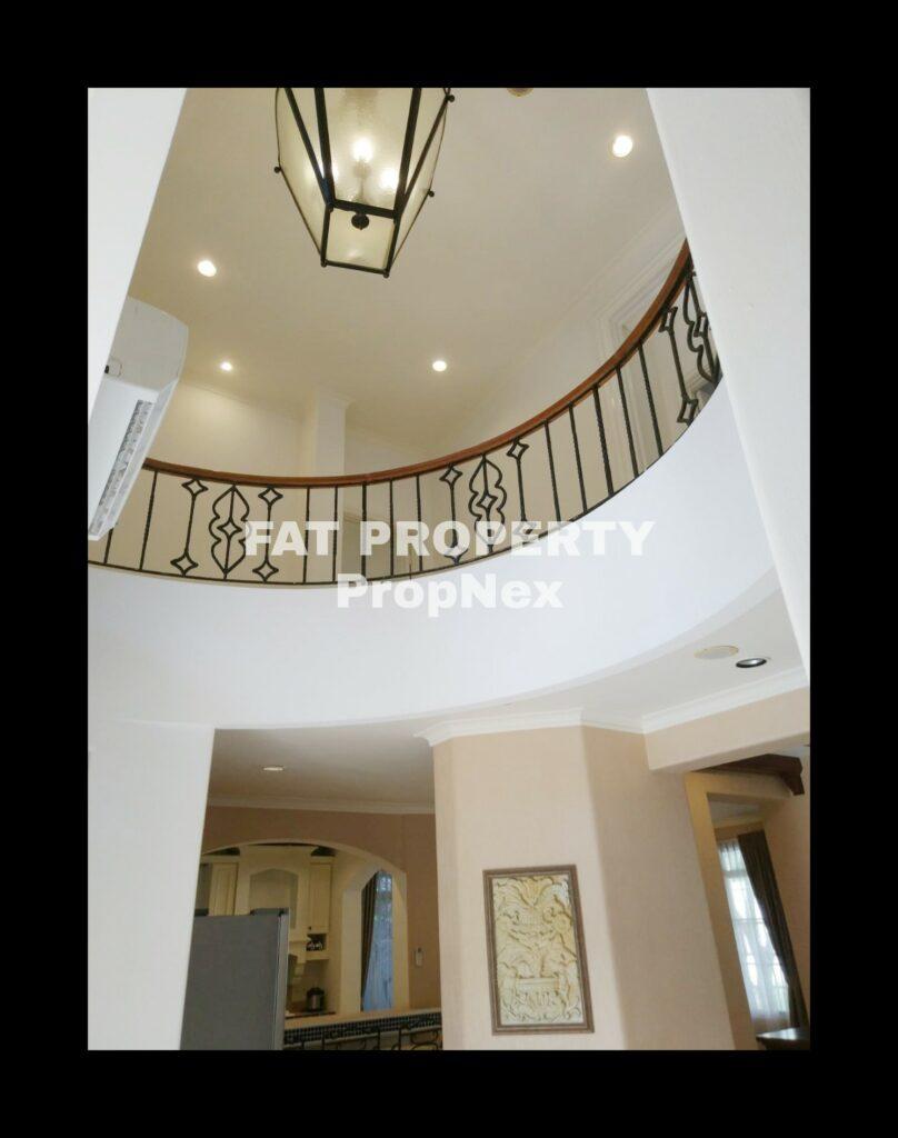 Dijual rumah mewah bagus di Taman Beverly Golf Jl Danau Sentani,Lippo Karawaci.