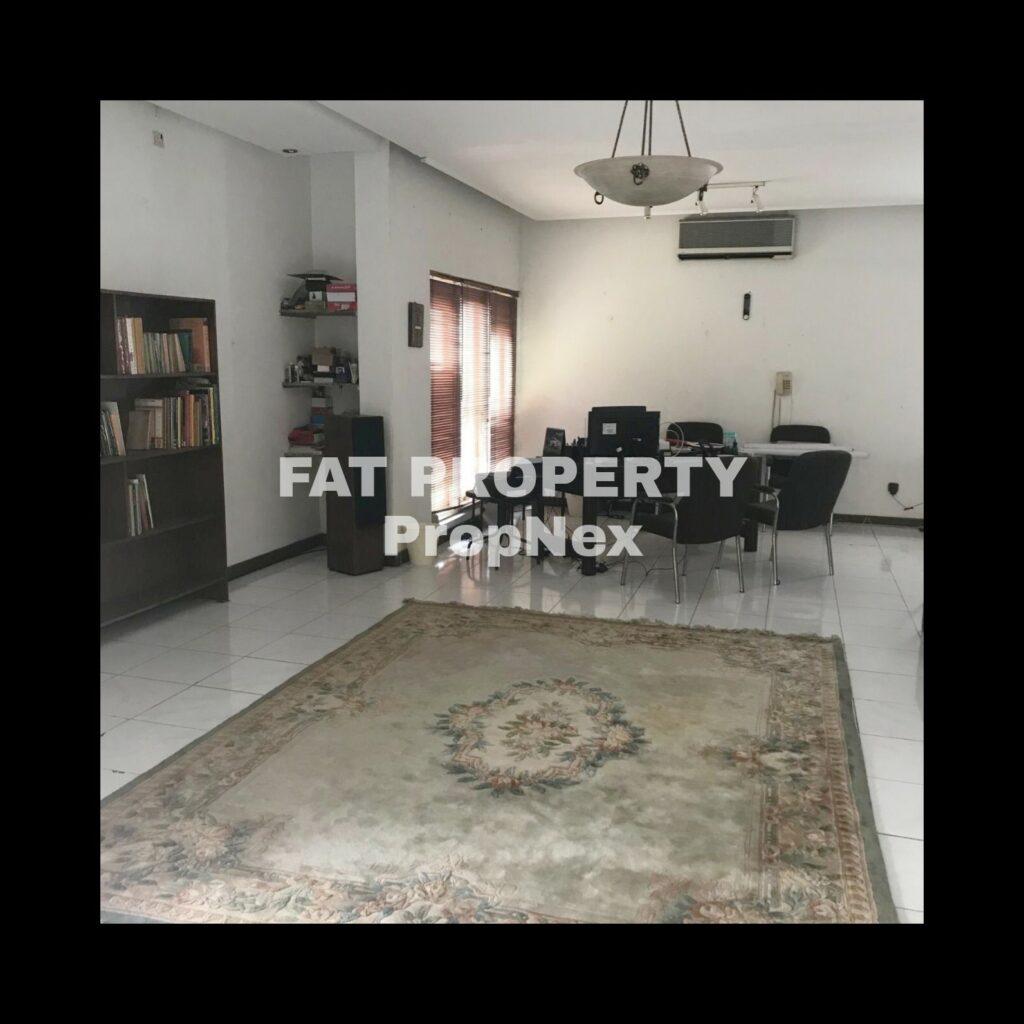 Dijual rumah mewah dengan swimming pool di Jl. Merak no.5 Rempoa Permai Housing, Jakarta Selatan
