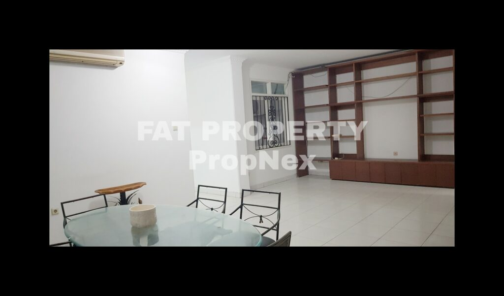 Disewakan rumah komplek elite di Taman Permata Buana JlPulauPanjang,samping Puri Indah,Jakarta Barat.