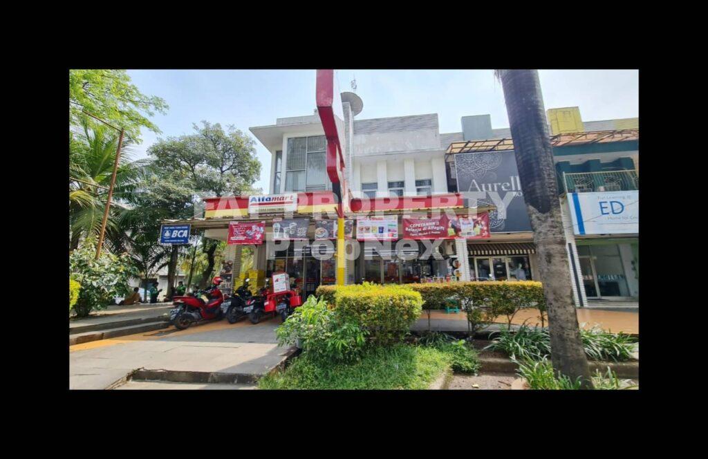 Dijual ruko gandeng hoek yang sedang tersewa Alfamart di Mutiara Gading Timur 2,Bekasi.