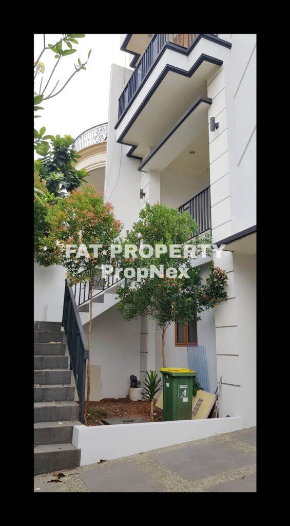 Dijual/disewakan rumah bagus gaya minimalis modern di Taman Permata Buana Jl Pulau Panjang,Puri Indah,Jakarta Barat.