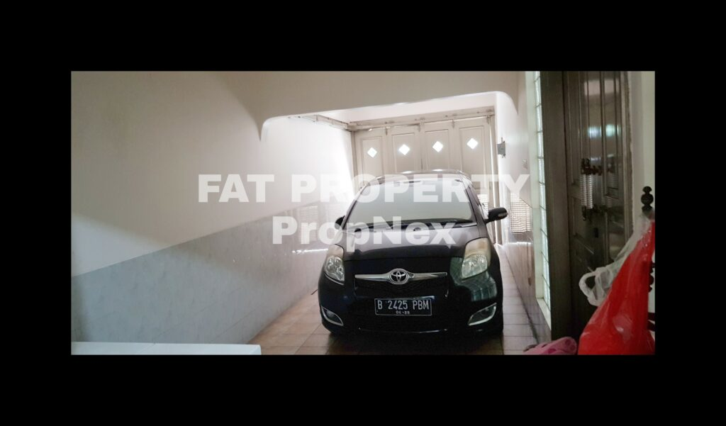 Jual cepat rumah bagus sangat terawat di Jl Duri Nirmala,Duri Kepa,Kebon Jeruk,Jakarta Barat.